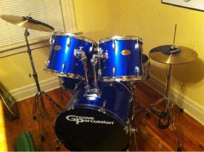 200 groove percussion drum set w practice pads and drum dial for sale in middletown. Black Bedroom Furniture Sets. Home Design Ideas