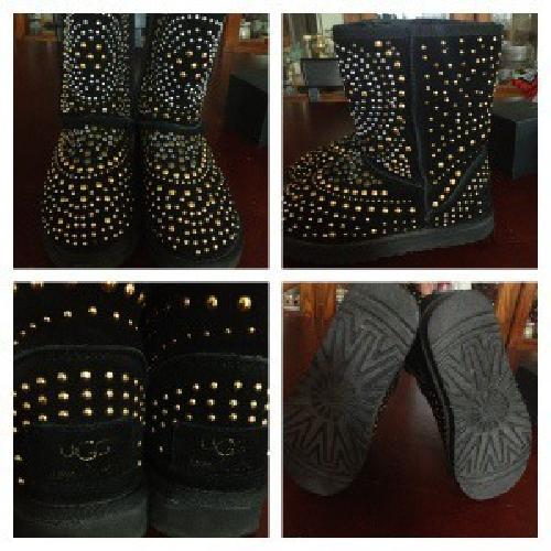 $200 Jimmy choo uggs size 7/ Michael kors leather bag