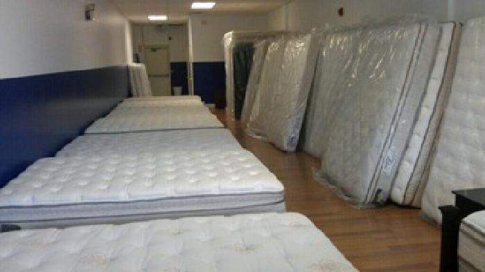$200 Pillowtop king size mattress set yukon $200 Selling