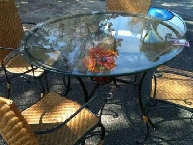 $200 Reduced price dining set-great condition with four chairs