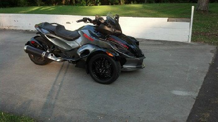 2011 Can-Am SPYDER RS - S SE5