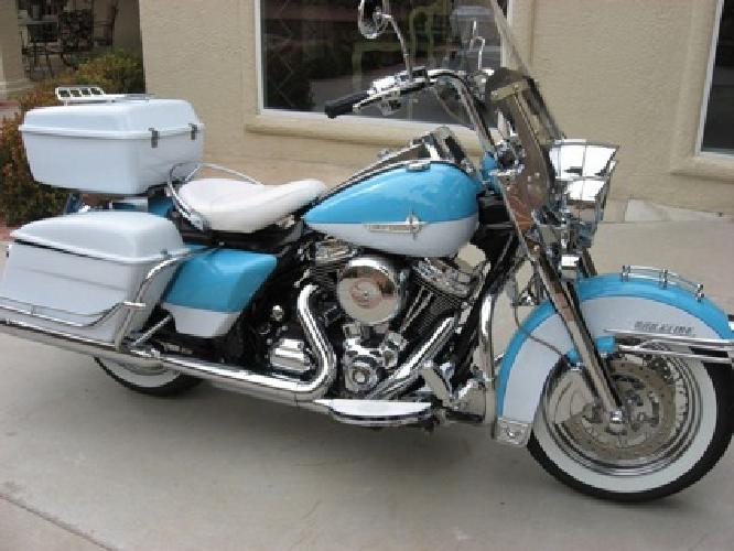 2012 Harley-Davidson Touring Road King Classic -Worldwide Delivery-