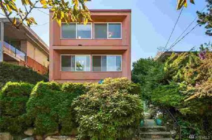 2013 43rd Ave E #D Seattle Two BR, Beautiful Two BR condo