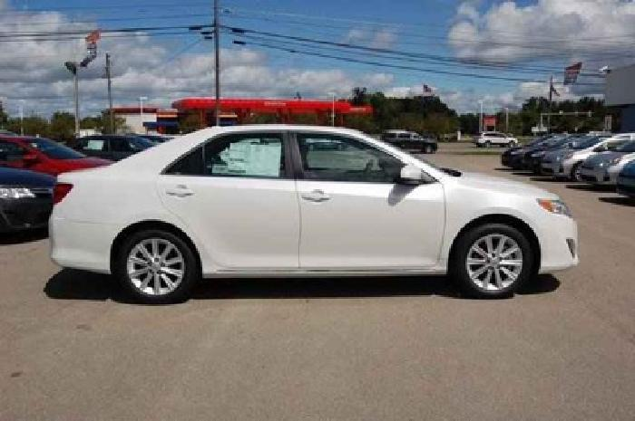 2014 Toyota Camry 4dr Sdn I4 Auto XLE