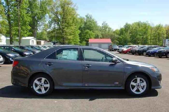 2014 Toyota Camry Hybrid 2014.5 4dr Sdn SE Limited Edition