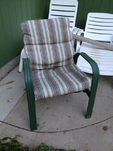 $20 2 patio chairs