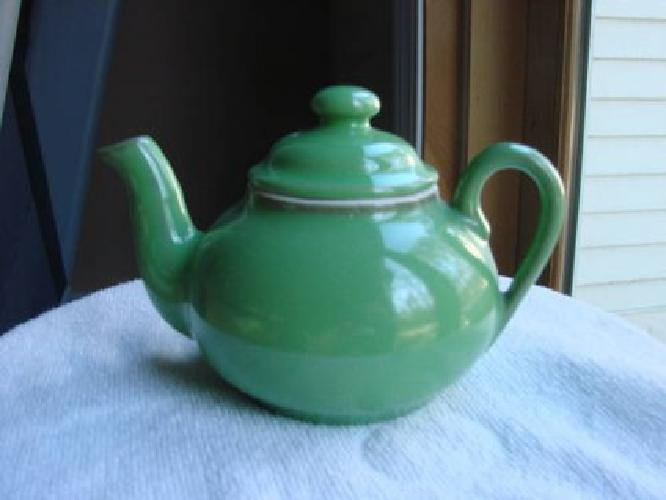$20 Early Hall mini-Teapot in vintage Green, excellent condition....wow!!