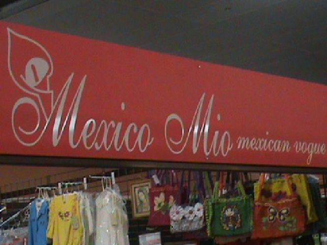 Sale of wonderful Mexican dresses, shirts and skirts, purses, rebozos