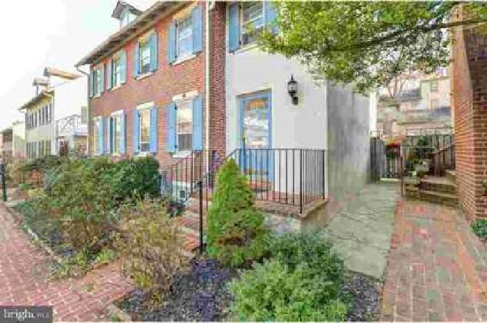 20 Rockford Rd Wilmington Three BR, Welcome home!