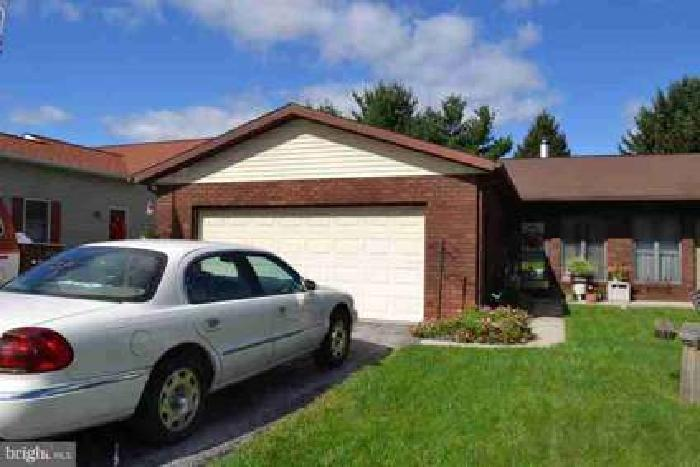 218 Kennedy Court Hanover Two BR, Semi - Detached in Clearview