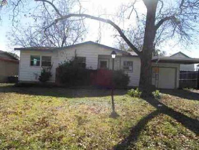 229 Oak W Drive Hurst, Cute 3 BR home with attached