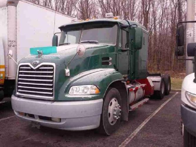 $22,500 2003 MACK CX613 Tandem Axle Sleeper