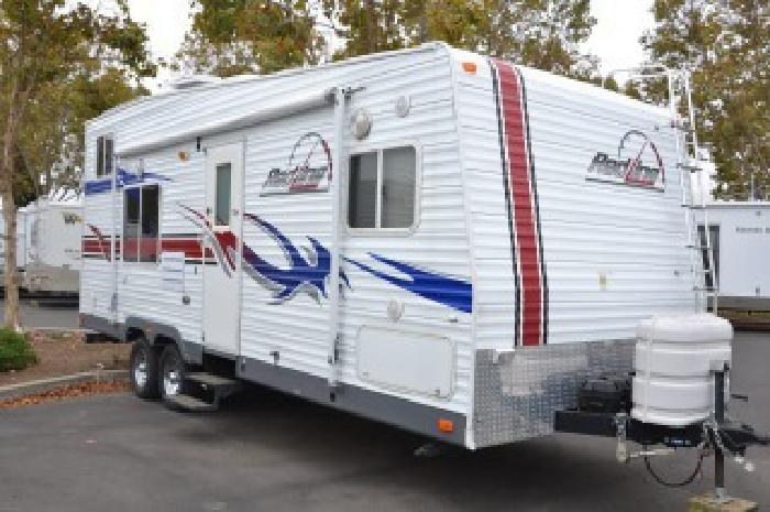 22 950 2007 Fleetwood Red Line Toy Hauler Trailer For