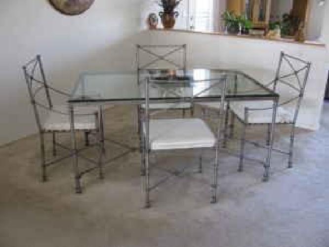 230 Obo Pier 1 Like New Glass Top Metal Frame Dining Set