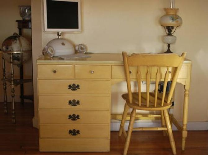 $239 Desk and Chair - Ethan Allen for Sale in Culver City ...
