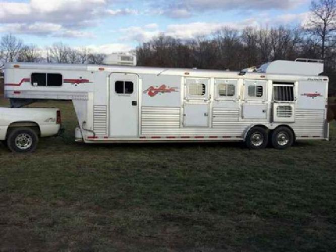 $23,000 2004 Platinum 4 H/S 4 horses