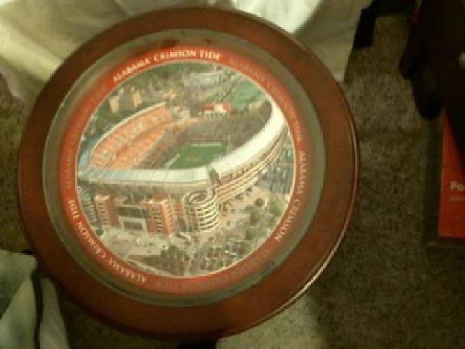 $250 Alabama Football Collector Round Game/End Table.
