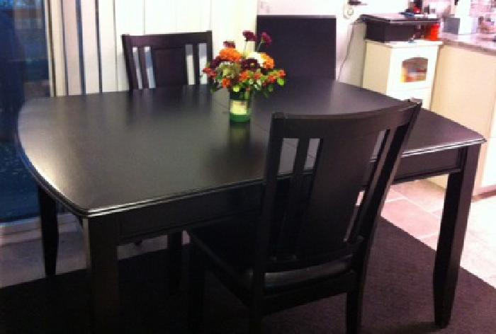 $250 Ashley Dining Room Table, Black