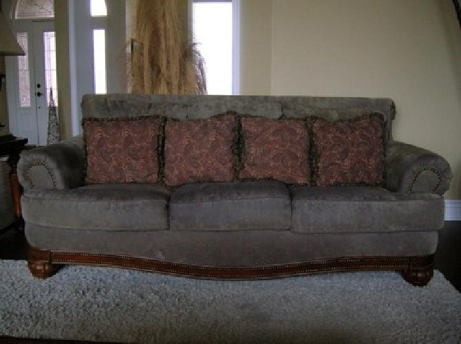 $250 Ashley Sofa (Taupe)