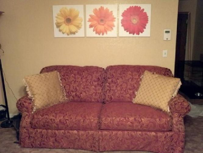 $250 beautiful Lane sofa