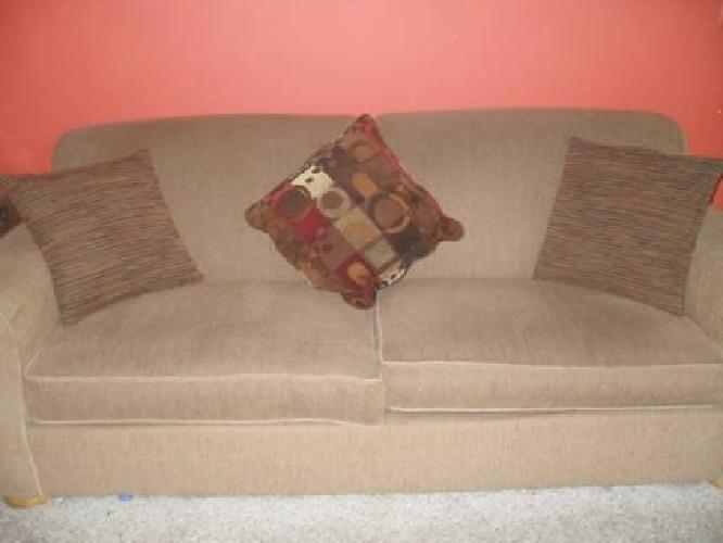 $250 Beautiful Sofa Couch tan dark color like new condition.