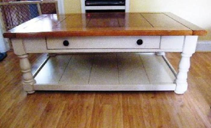 Broyhill Coffee End Table Set Knotty Pine French Country For - Pine coffee table set