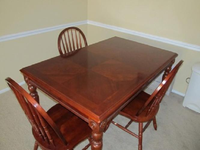 250 Dining Room Table 4 Chairs Cherrywood For Sale In Tuscaloosa Alabama Classified