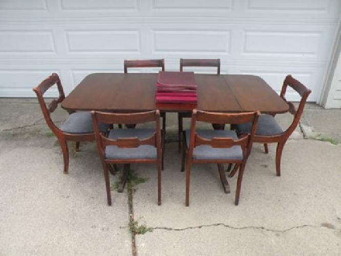$250 Duncan Phyfe by Drexler Table with 6 Cairs for Sale in Troy