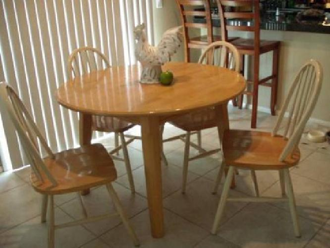 250 kitchen table leaving las vegas for sale in north las vegas nevada classified. Black Bedroom Furniture Sets. Home Design Ideas