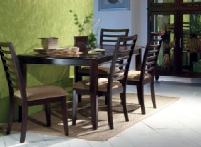 Raymour And Flanigan Broadway Dining Room Set