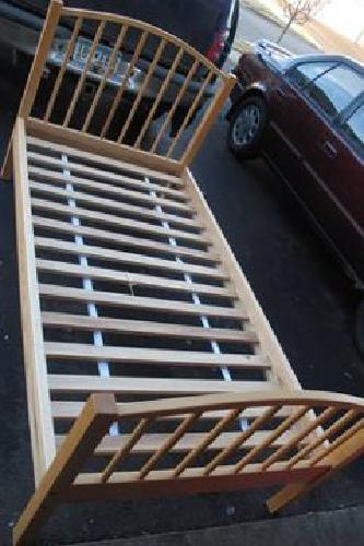 $250 twin bed white ash vermont tubbs w/mattress - $250 (lino