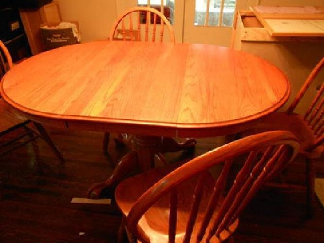 $250 Used Oak Dining room table and 4 chairs