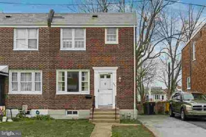 253 Locust Ave Wilmington Three BR, This solid brick twin home