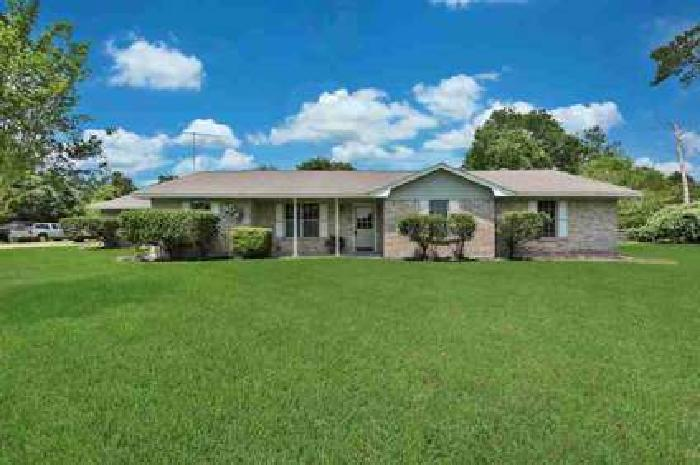 253 Melton Street Magnolia Three BR, Gorgeous country home with