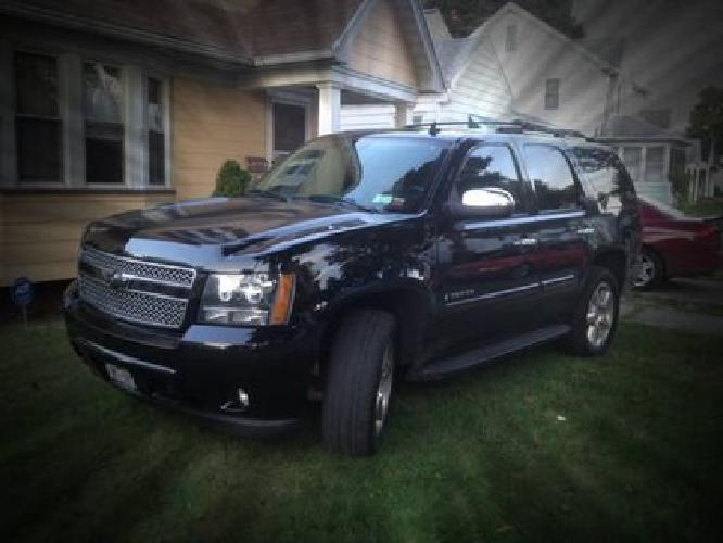 chevy tahoe 8 navigation brand new tires new speakers through out