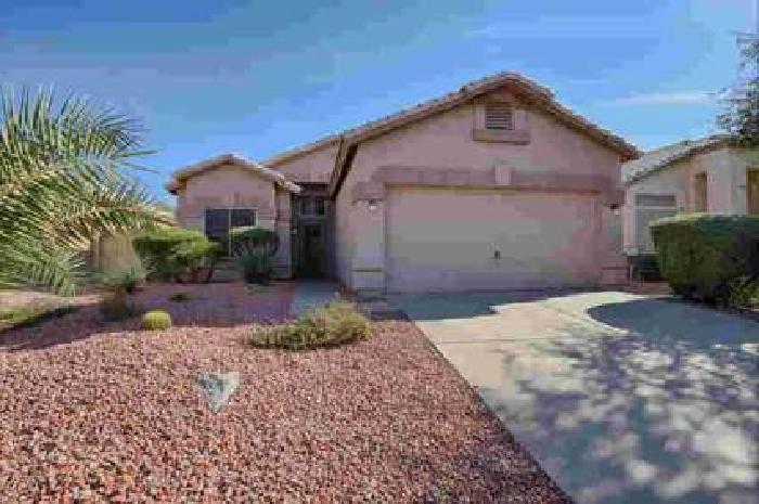 2607 N Silverado -- Mesa Three BR, Very Nice family Home