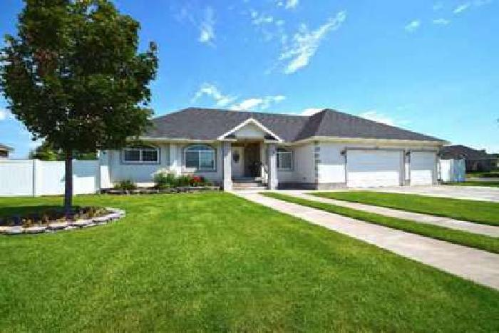 2651 Eastview Drive Idaho Falls Five BR, Beautiful home with