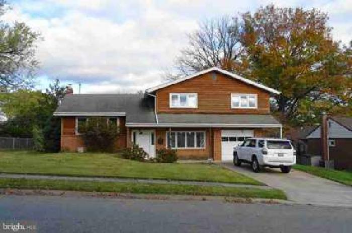 2705 Fawkes Dr Wilmington, Check out this true Four BR Holiday