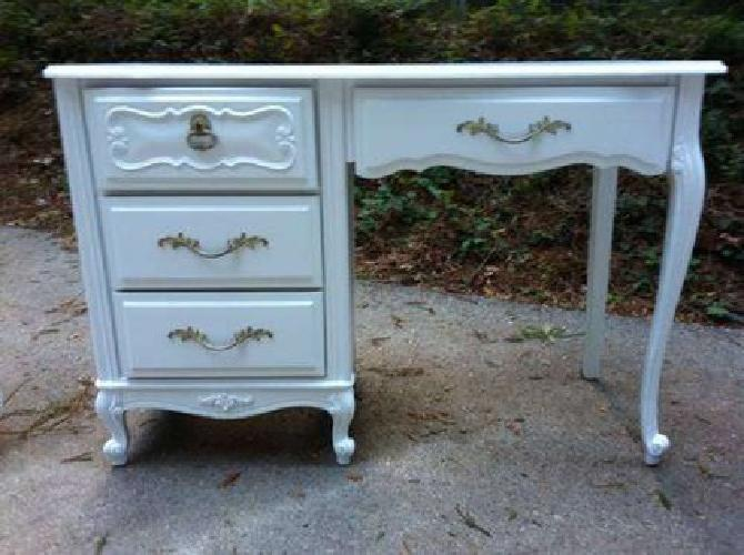 275 Shabby Chic French Provincial Desk For Sale In San