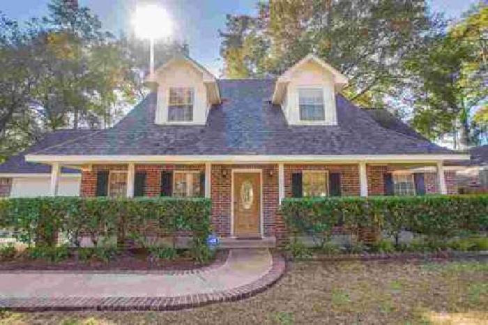 27626 Shannon Circle Magnolia Four BR, This gorgeous home is
