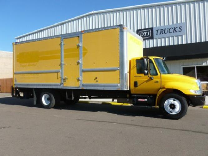 27 750 2005 International 4300 24 L Box Truck And Lift