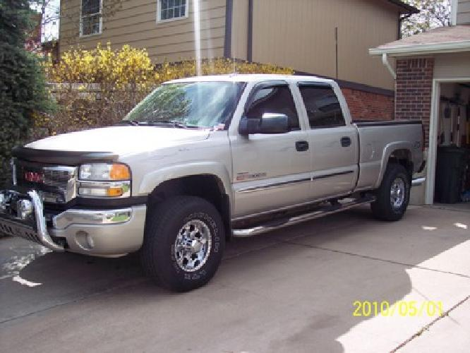 $28,500 2005 GMC 2500HD Duramax Diesel 4x4 short box 64,000 mi