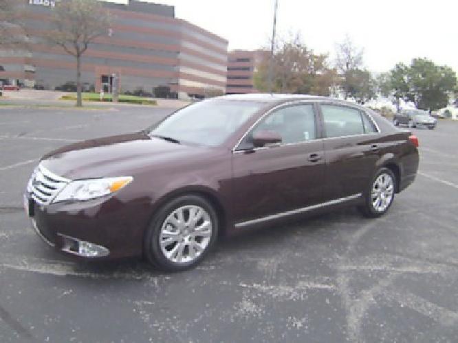 $28,900 OBO 2012 Toyota Avalon XLS, ONE OWNER, 18K, Program Car