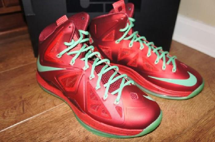$299.99 OBO Nike LeBron X 10 Christmas Edition University Red Sz 8.5