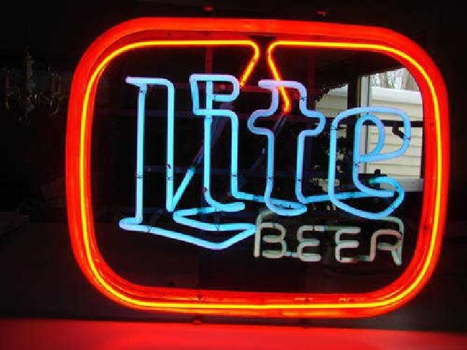$299 Awesome, Miller Lite Beer neon sign, 3 Color...Nice mancave item!!!