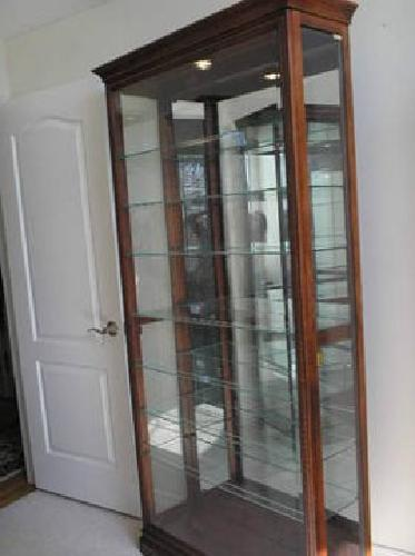 299 Howard Miller Curio Cabinet Smaller Size 80 Quot X 40