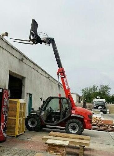 $29,000 OBO Telescoping tool carrier, forklift & scoop HALF PRICE