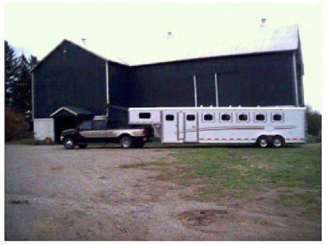 $29,500 2002 Jamco Tradition SL7 6 horses