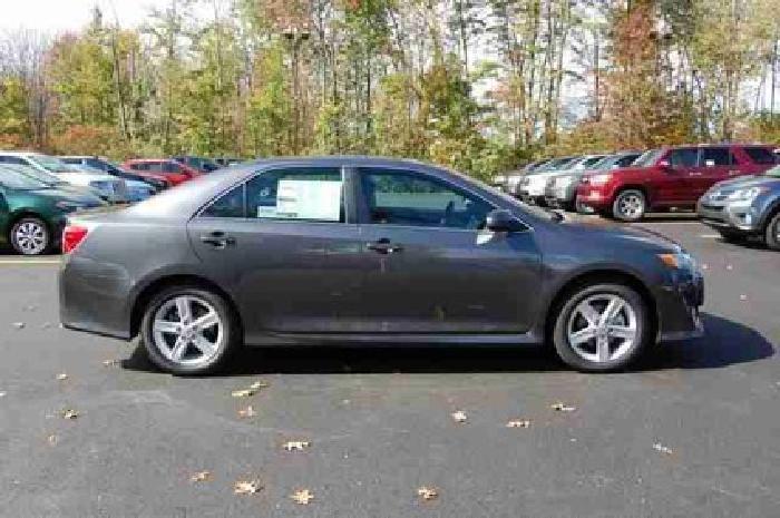 $29,679 2014 Toyota Camry 4dr Sdn I4 Auto SE