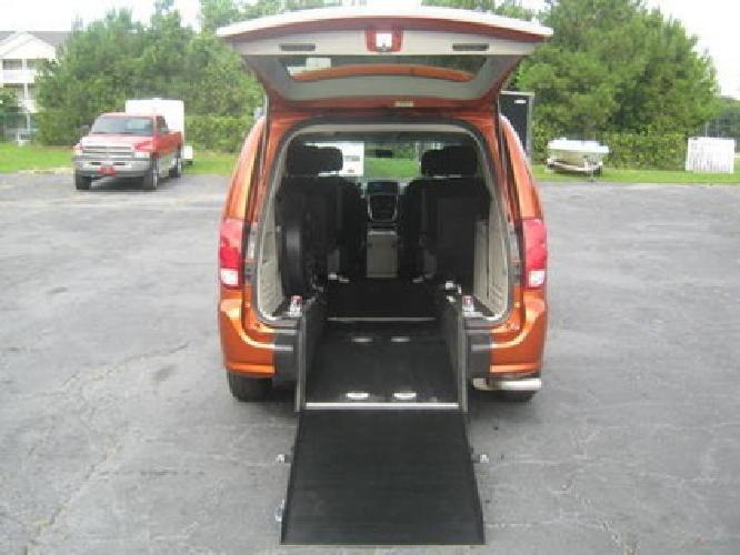 29 900 handicap wheelchair van 2011 dodge grand for Handicap mobile homes for sale